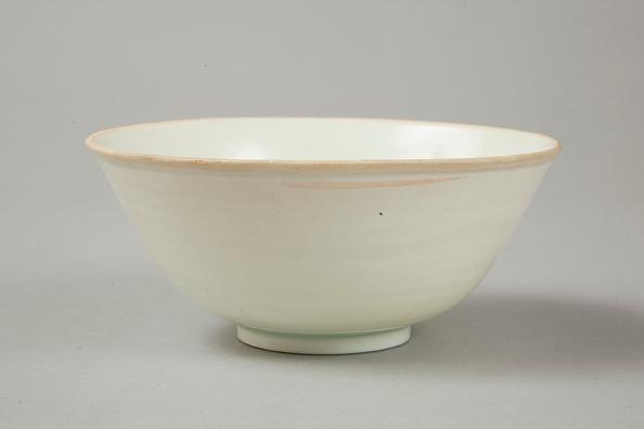 Bowl「Qingbai glazed deep bowl, Yuan dynasty (1279-1368)」:写真・画像(17)[壁紙.com]