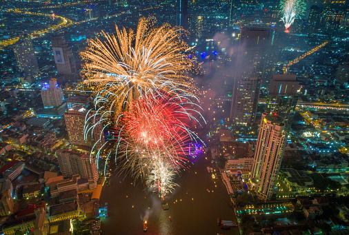 花火「バンコク、タイでは新年 2018年祭典」:スマホ壁紙(19)