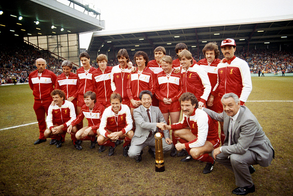 Club Soccer「Liverpool League Champions 1983/84」:写真・画像(7)[壁紙.com]