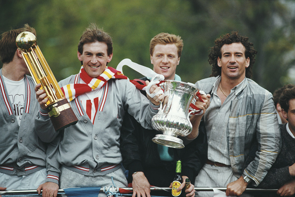 Liverpool - England「Liverpool League and Cup Double Winners Bus Parade 1986」:写真・画像(8)[壁紙.com]