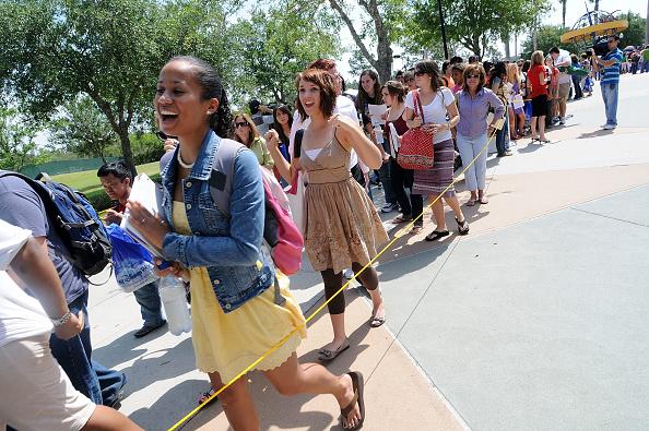 Gerardo Mora「Disney's High School Musical Summer Session Casting」:写真・画像(16)[壁紙.com]