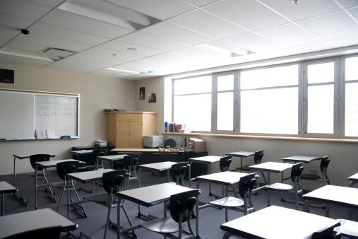 Blank「High school classroom」:スマホ壁紙(3)