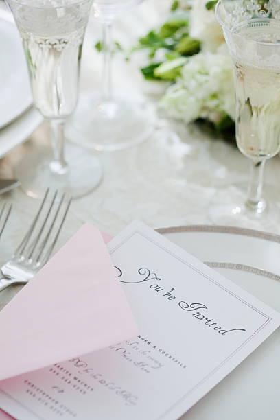 Wedding invitation on table setting, studio shot:スマホ壁紙(壁紙.com)