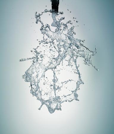 Spraying「Water Splaying」:スマホ壁紙(11)