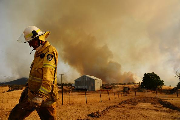 Topix「NSW Surveys Damage Following Bushfires As Easing Conditions Bring Some Reprieve」:写真・画像(5)[壁紙.com]