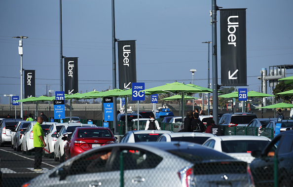 LAX Airport「New Ride App Pick Up Lot At LAX Results In Long Delays In Passenger Pickups From Airport」:写真・画像(11)[壁紙.com]