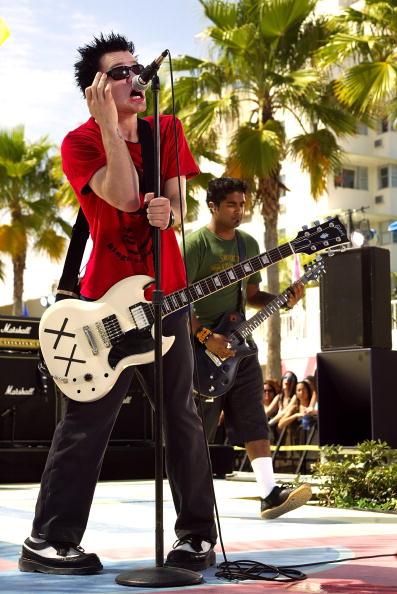 Mathematical Symbol「MTV Spring Break 2003」:写真・画像(16)[壁紙.com]