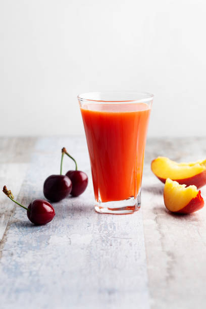 Cherry fruit and Peach smoothie in glass,Peach juice:スマホ壁紙(壁紙.com)
