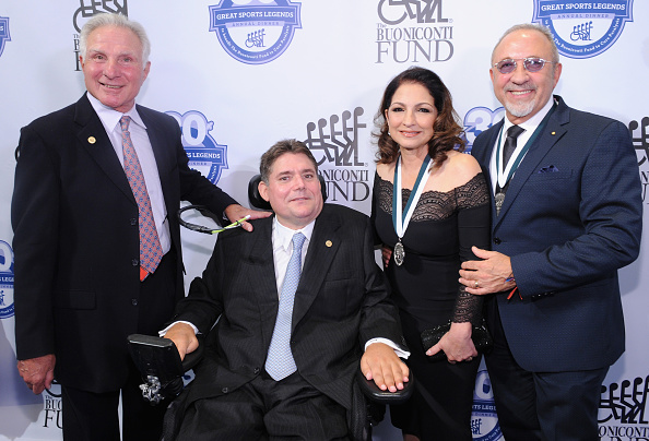 Great Sports Legends Dinner「30th Annual Great Sports Legends Dinner To Benefit The Buoniconti Fund To Cure Paralysis - Arrivals」:写真・画像(12)[壁紙.com]