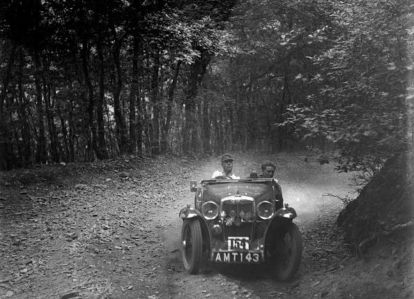 Curve「MG J2 competing in the B&HMC Brighton-Beer Trial, Fingle Bridge Hill, Devon, 1934」:写真・画像(0)[壁紙.com]