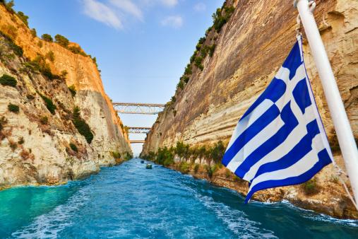 Rock Formation「Corinth channel in Greece and greek flag on ship」:スマホ壁紙(14)