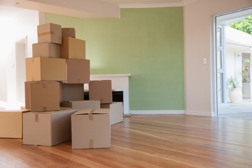 Beginnings「Boxes stacked in living room of new house」:スマホ壁紙(14)