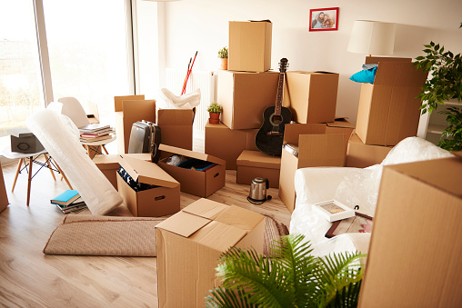 Guitar「Boxes stacked on wooden floor of new house. Debica, Poland」:スマホ壁紙(13)