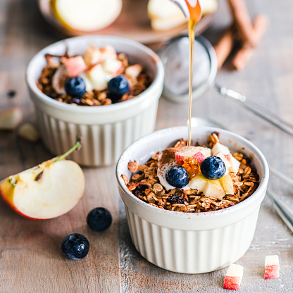 Oats - Food「Baked apple pie oatmeal with maple syrup」:スマホ壁紙(1)
