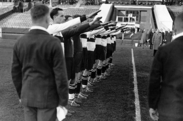 England「Nazi Football」:写真・画像(7)[壁紙.com]