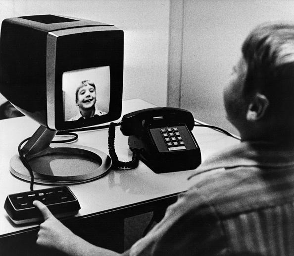Photoshot「Tele-Telephone」:写真・画像(8)[壁紙.com]