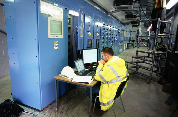 Industry「Running tests on the computerised control system, Ramsgate wastewater」:写真・画像(8)[壁紙.com]