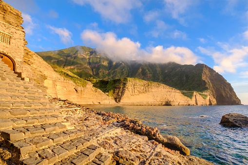 Aeolian Islands「Pollara at sunset on Salina, the second largest island in the Aeolian Islands (Sicily, Italy)」:スマホ壁紙(17)
