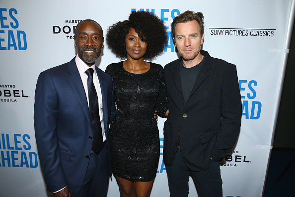 ドン チードル「Premiere Of Sony Pictures Classics' 'Miles Ahead' - Red Carpet」:写真・画像(17)[壁紙.com]