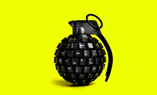 Cyber-「cyber attack grenade on yellow background」:スマホ壁紙(1)