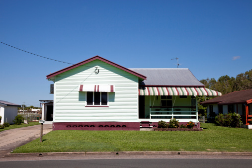 Queensland「Little Old House with clear blue sky」:スマホ壁紙(1)