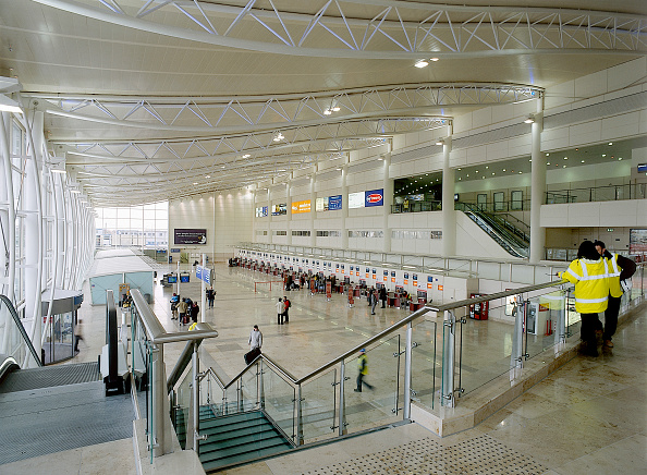 2002「Concourse of Liverpool John Lennon Airport Terminal Building Liverpool, United Kingdom」:写真・画像(16)[壁紙.com]