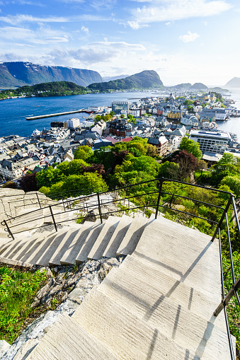 Aksla「Stairs of the viewpoint, Alesund」:スマホ壁紙(17)