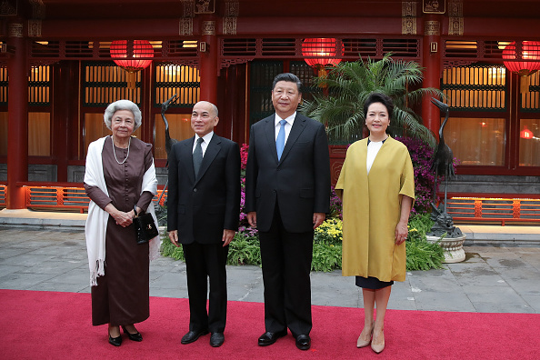 King Norodom Sihamoni「King of Cambodia Visits China」:写真・画像(1)[壁紙.com]