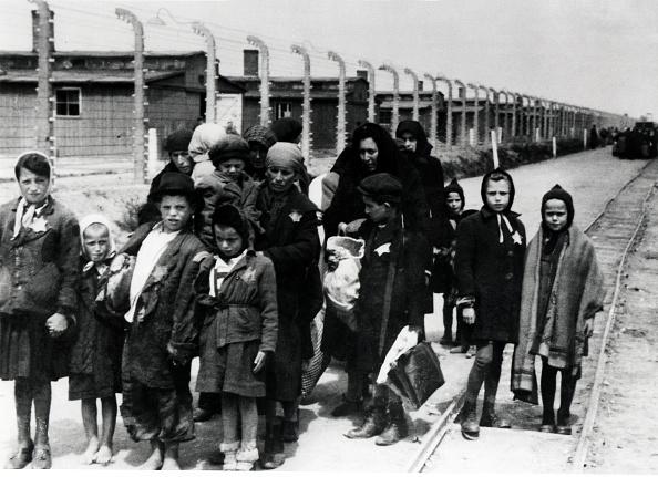 Monochrome「Hungarian Jews」:写真・画像(8)[壁紙.com]