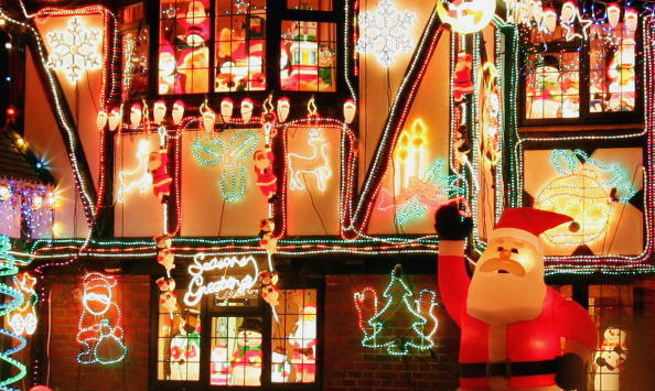 Holiday - Event「GBR: Christmas Decorating Becomes Competitive In The Thames Valley」:写真・画像(15)[壁紙.com]
