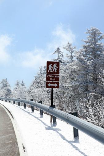 Crash Barrier「Appalachian Trail Sign in the Winter」:スマホ壁紙(14)