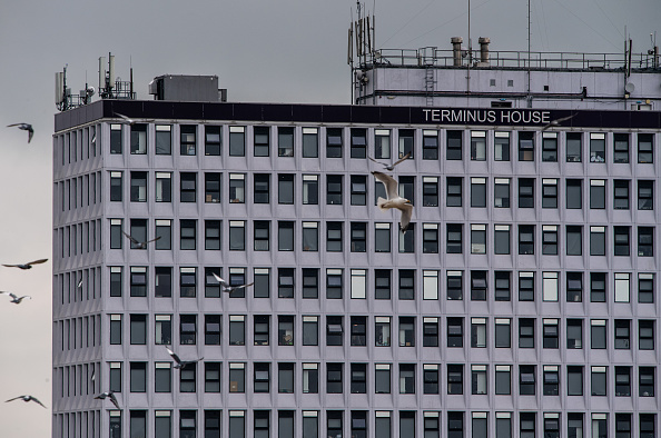 Small Office「Terminus House, A Disused Office Building Now Home To Hundreds」:写真・画像(3)[壁紙.com]