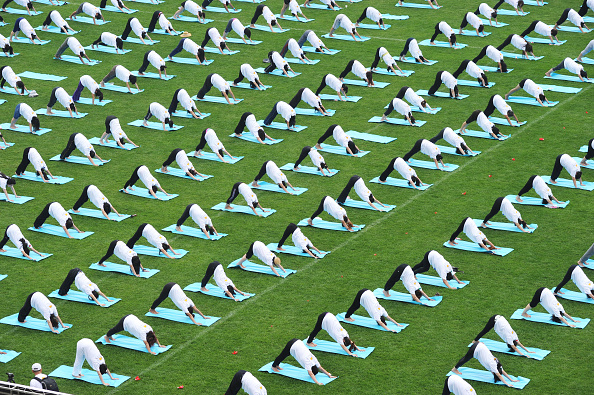 Yoga「Chinese Mark The First International Day Of Yoga」:写真・画像(8)[壁紙.com]