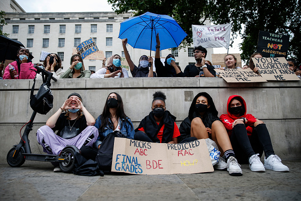 A-Levels「Students Hold A-Level Results Protest As Ofqual Review Appeals Process」:写真・画像(9)[壁紙.com]