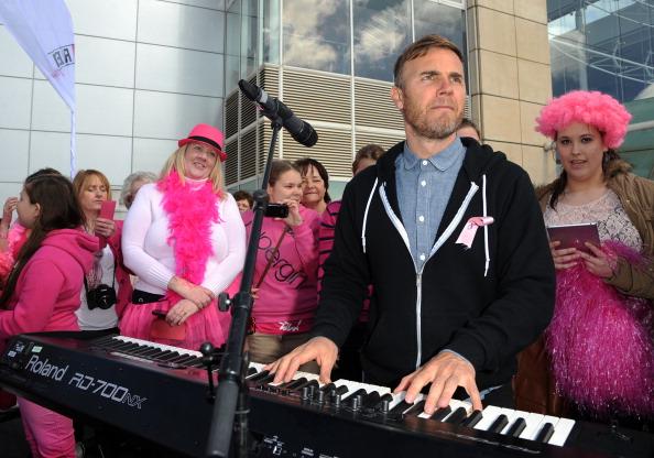 Breast「Chris Evans & Celebrity Friends Launch FAB1 Million」:写真・画像(12)[壁紙.com]