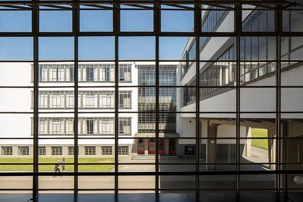 Full Frame「The Bauhaus Building」:写真・画像(11)[壁紙.com]