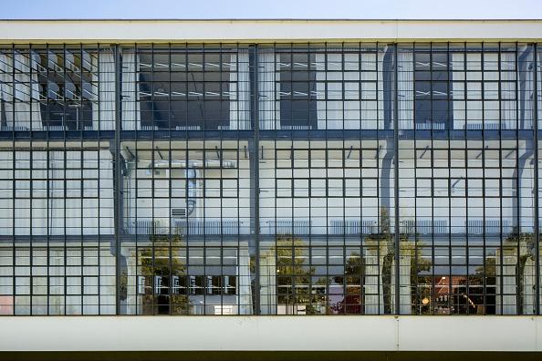 Full Frame「The Bauhaus Building」:写真・画像(10)[壁紙.com]