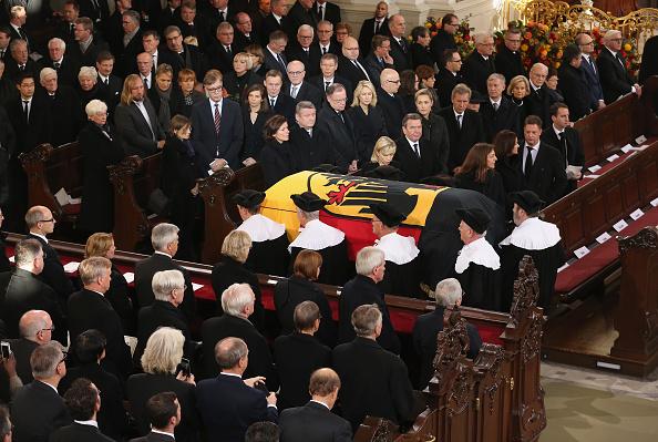 Politics and Government「Helmut Schmidt State Funeral」:写真・画像(16)[壁紙.com]
