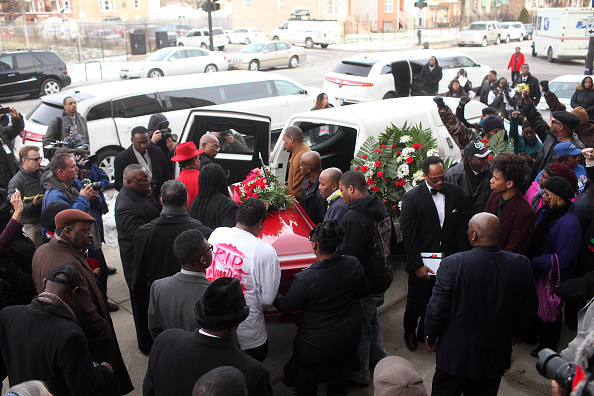 Land Vehicle「Funeral Held For Woman Accidentally Killed By Chicago Police Officer」:写真・画像(19)[壁紙.com]