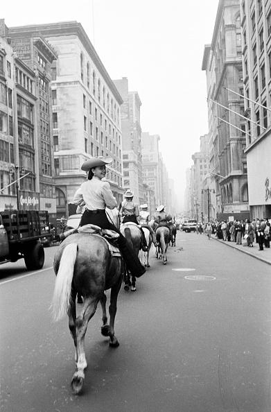Diminishing Perspective「Rodeo Parade」:写真・画像(8)[壁紙.com]