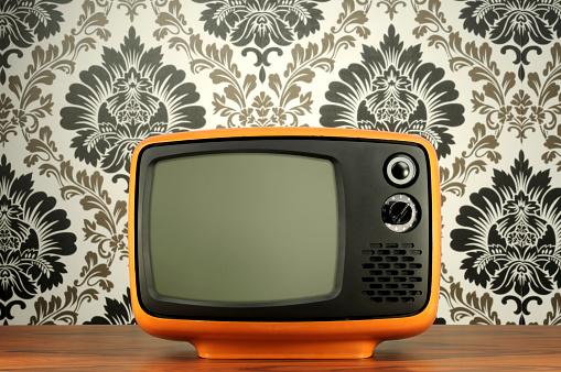 Antique「Old BW Tv」:スマホ壁紙(8)