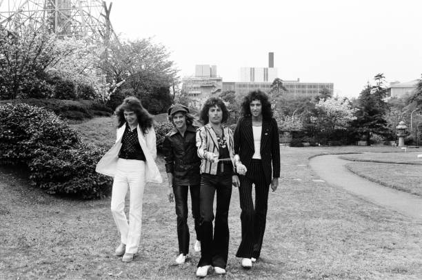 「queen 1975 japanese fans」の画像検索結果