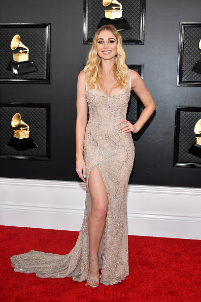 Nude Colored Dress「62nd Annual GRAMMY Awards - Arrivals」:写真・画像(10)[壁紙.com]