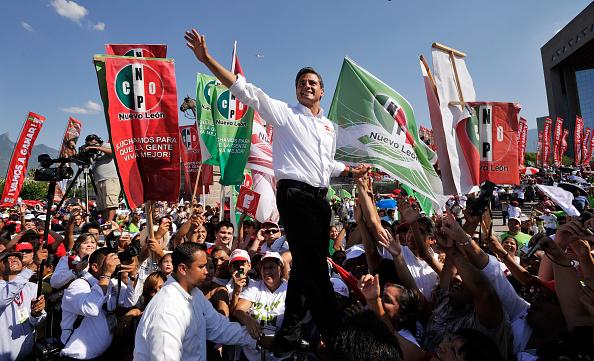 Enrique Pena Nieto「PRI Pres. Candidate Pena Nieto Campaigns In Monterrey Ahead Of Election」:写真・画像(11)[壁紙.com]