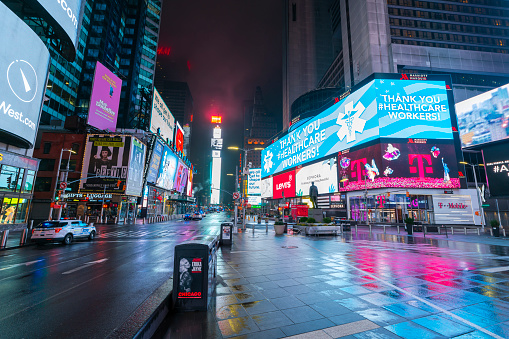 Rain「COVID-19 Effect to New Yorker's Nightlife in Times Square. People and traffic disappeared from Times Square for impact of COVID-19 in the rainy night to dawn New York City NY USA on Mar. 29 2020.」:スマホ壁紙(15)