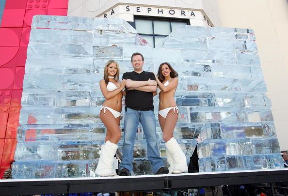 Ice Sculpture「Las Vegas Magician Nathan Burton Encases Himself In Ice」:写真・画像(16)[壁紙.com]