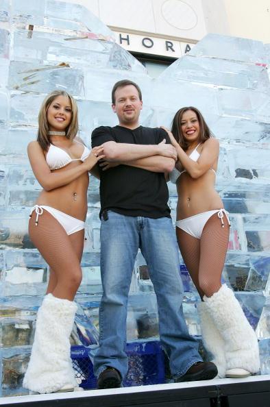Ice Sculpture「Las Vegas Magician Nathan Burton Encases Himself In Ice」:写真・画像(18)[壁紙.com]