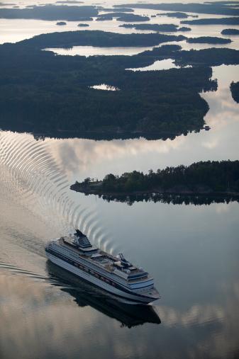 Passenger「Passenger ferry, Sweden, aerial view」:スマホ壁紙(13)