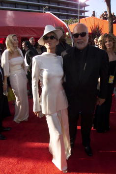 アカデミー賞「Celine Dion arrives at the 71st Academy Awards...」:写真・画像(19)[壁紙.com]