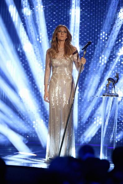 Sleeved Dress「BAMBI Awards 2012 - Show」:写真・画像(9)[壁紙.com]